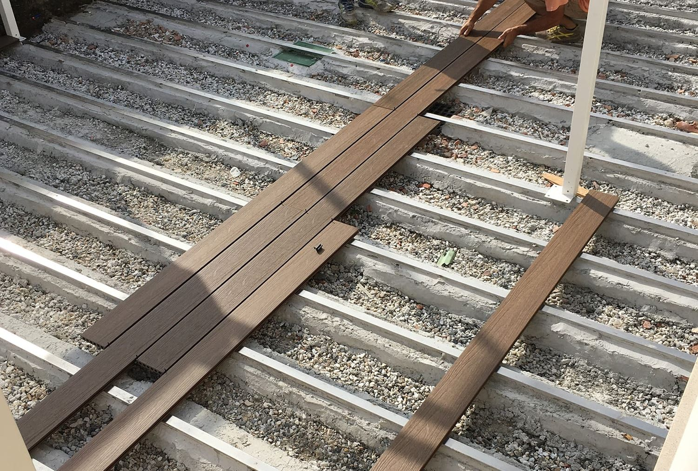Pavimentazione esterna, flottante simil legno, committente privato
